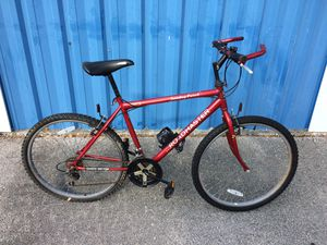 "Photo Road master 26""Men's Mountain Bike ( need back tire fix )"