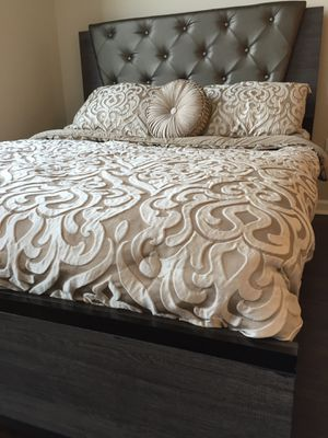 New Modern Design Queen Bed for Sale in Wheaton, MD