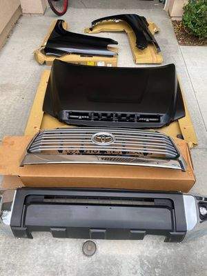 Photo Toyota Tundra front end.