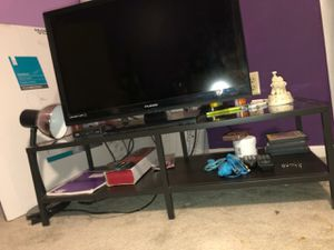Small TV Stand. for Sale in Orlando, FL