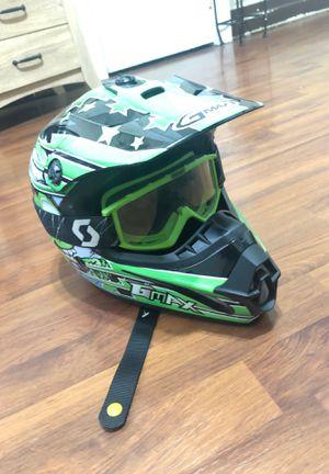 Photo Black and green kids dirt bike helmet