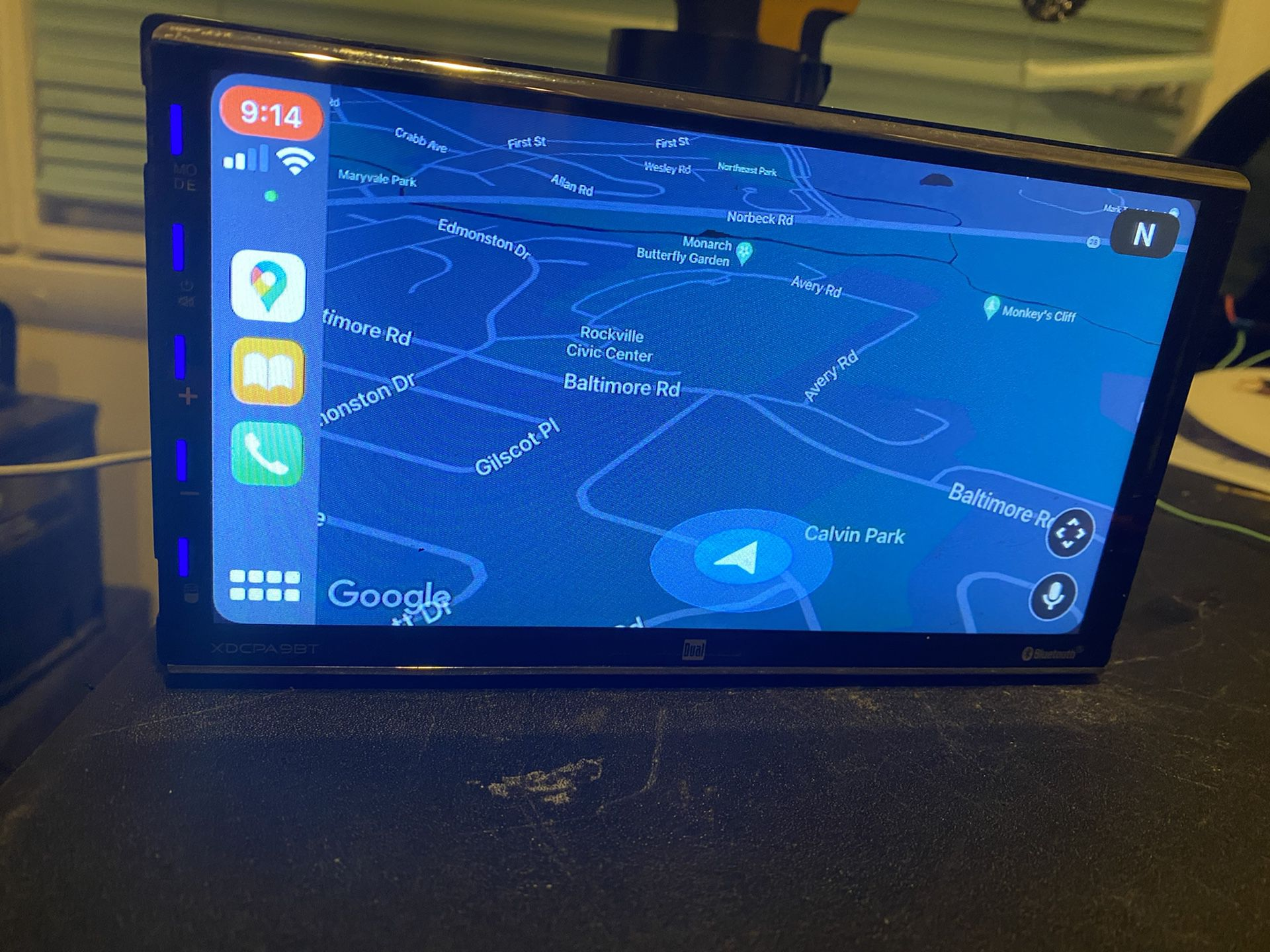 Dual With Apple CarPlay Android  And Bluetooth Audio