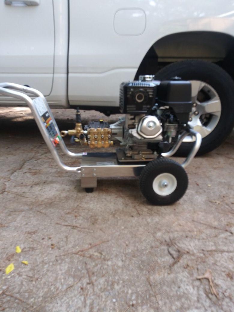 New 4000 psi pressure washer