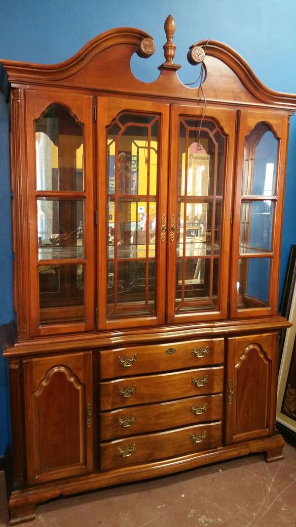 Lexington Solid Wood Lighted China Cabinet Hutch For