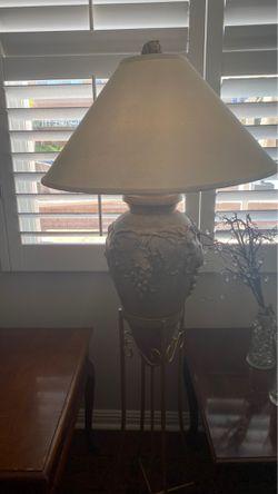 Lámpara para sala de cocina de uvas dorada Thumbnail