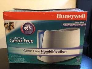Honeywell Germ Free Cool Moisture Humidifier with new, unopened filter for Sale in Alexandria, VA