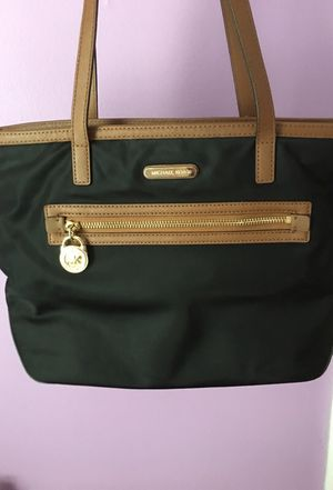 Michael Kors bag for Sale in Richmond, VA