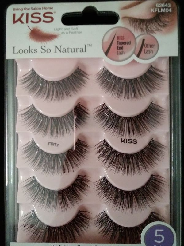 2bea495eef1 KISS LOOKS SO NATURAL LASHES 62643 for Sale in Los Angeles, CA - OfferUp