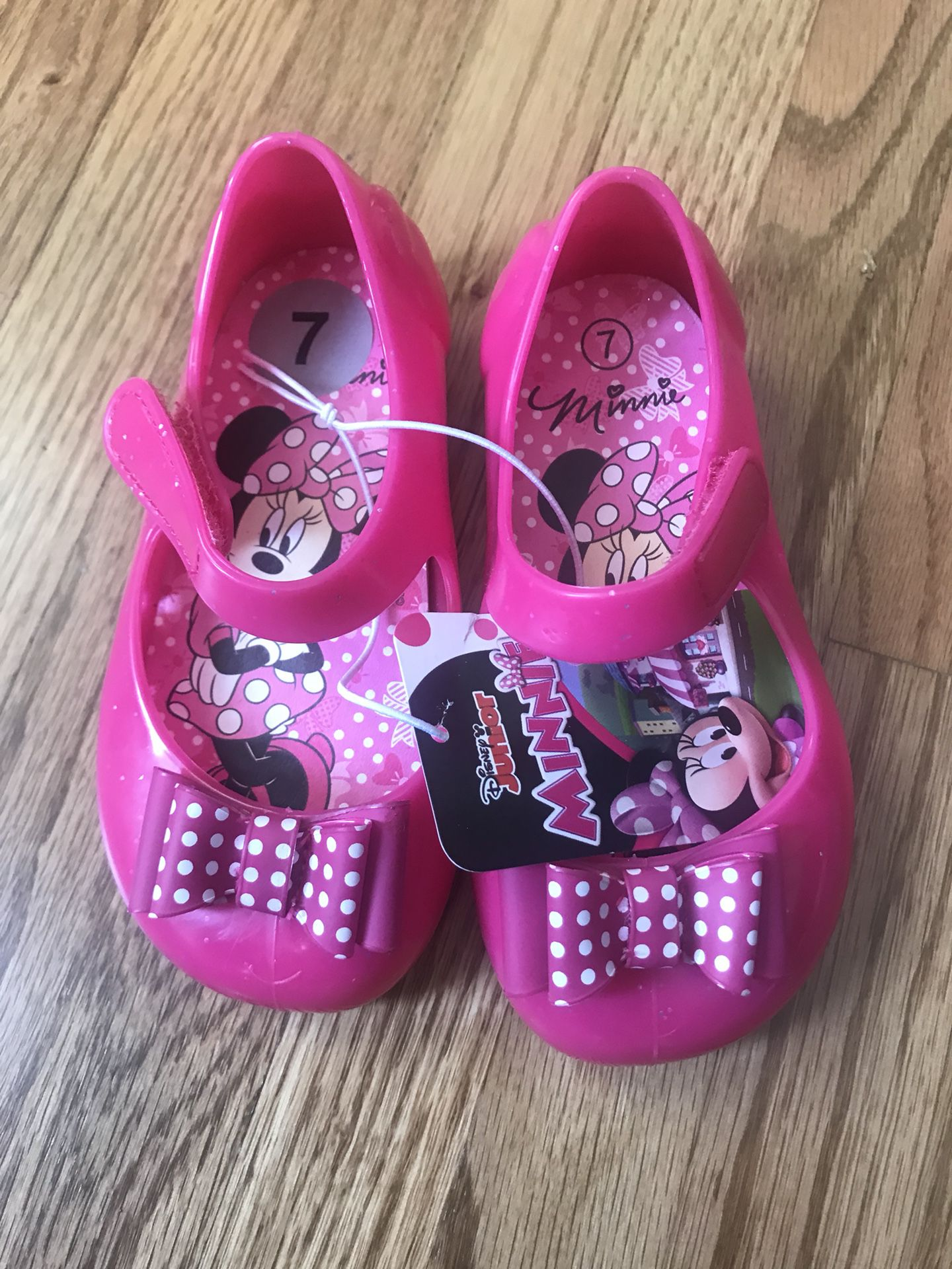 Minnie Mouse girls water shoes size 7