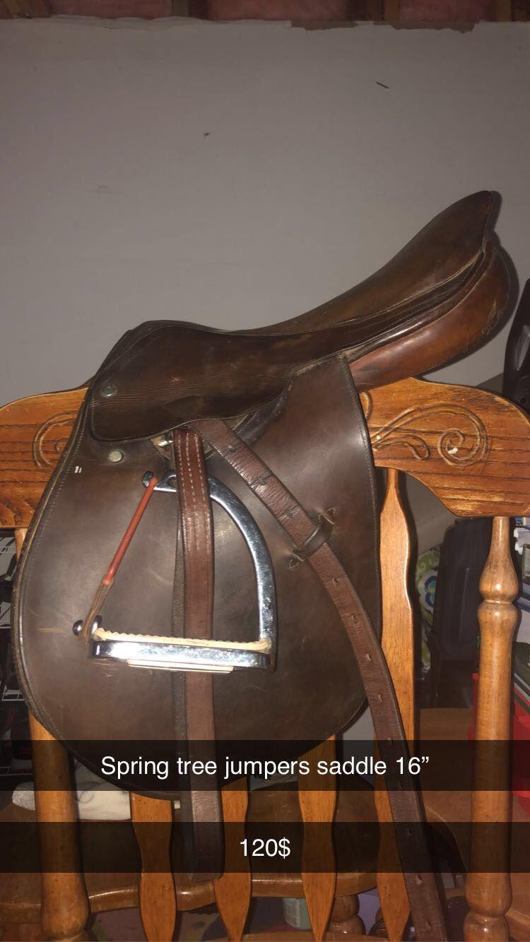 "English Jumpers Saddle,Spring Tree 16"" 120$"