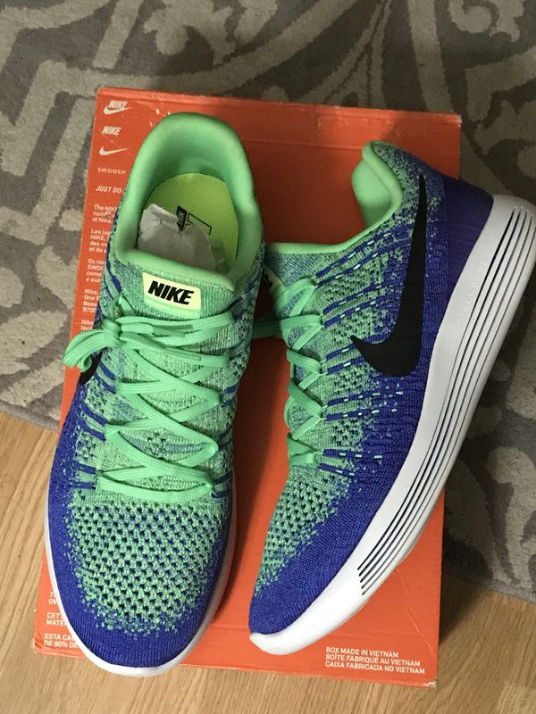 75357fe8fc37 Size 11 Nike flyknit lunarlon green blue running shoes training for ...