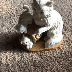 White Cat Statue Thumbnail