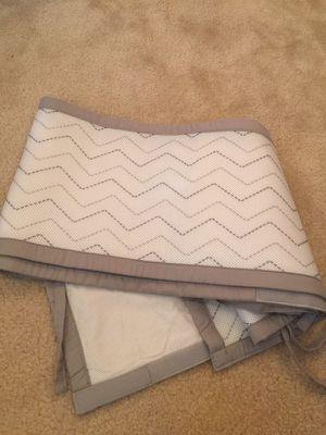 Chevron white and grey crib bumper breathable for Sale in Herndon, VA
