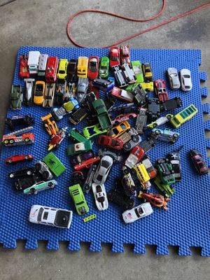 Photo 85 played with cars Hot Wheels, Matchbox and others