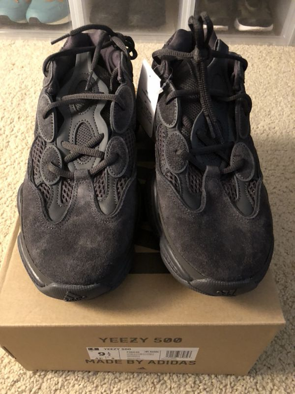 5f0bcb2ad5822 Adidas yeezy 500 utility black size 9.5 for Sale in Seattle