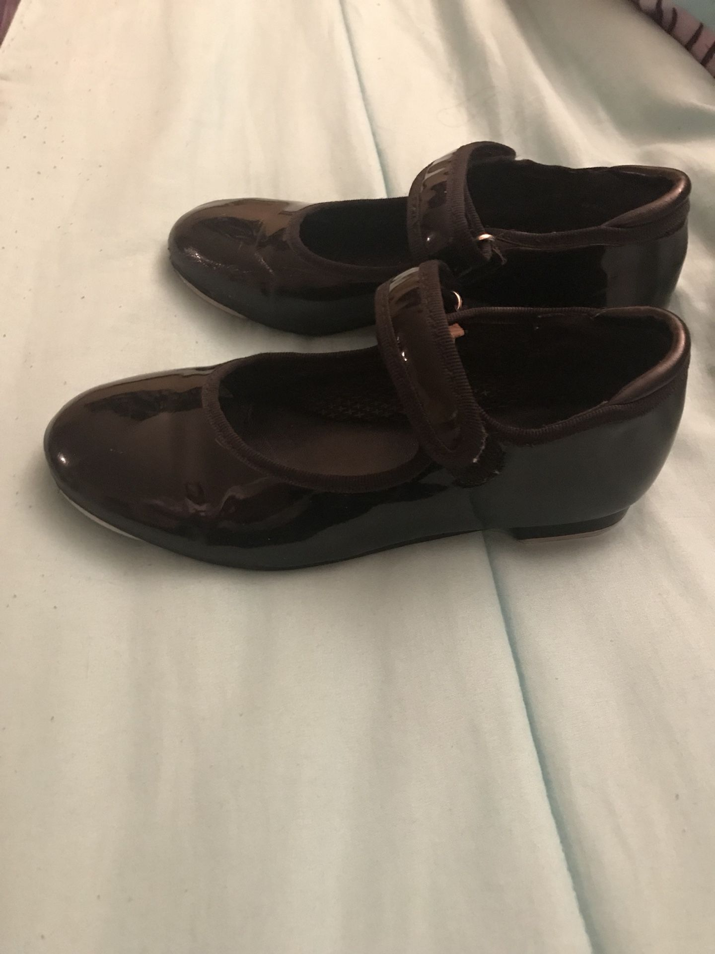 Black tap shoes for girls, kids.