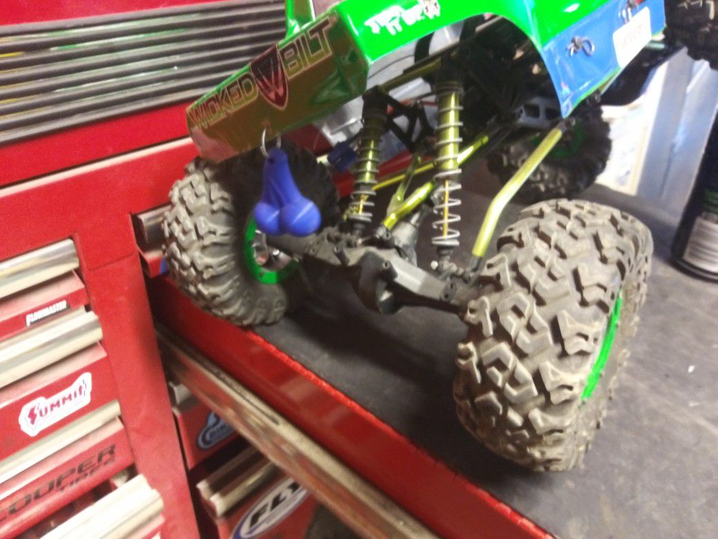 Axle 10 rock crawler with many up grades 350 or best offer