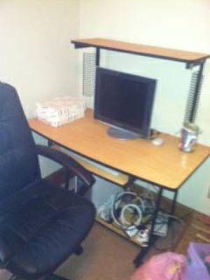 Computer desk for Sale in Richmond, VA