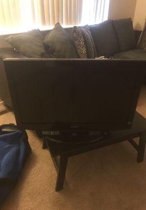 32in TV for Sale in Detroit, MI