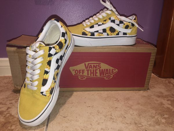 Checkerboard Sunflower Old Skool | Aesthetic shoes, Custom