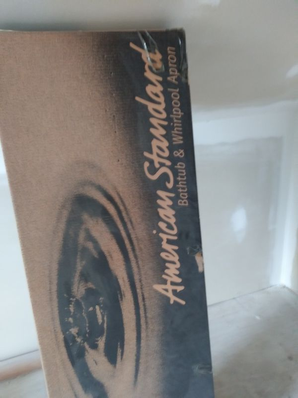 Cadet american standard whirlpool tub for Sale in Pittston, PA - OfferUp
