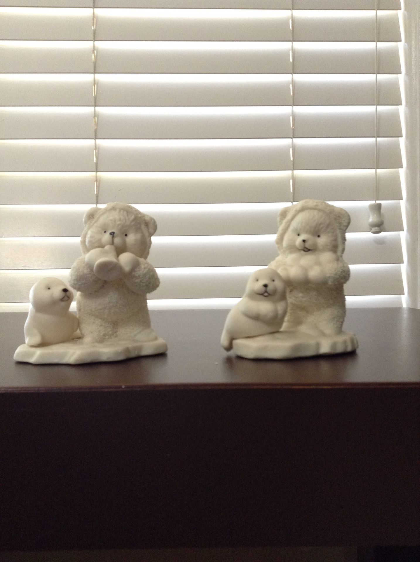 Porcelaine figures