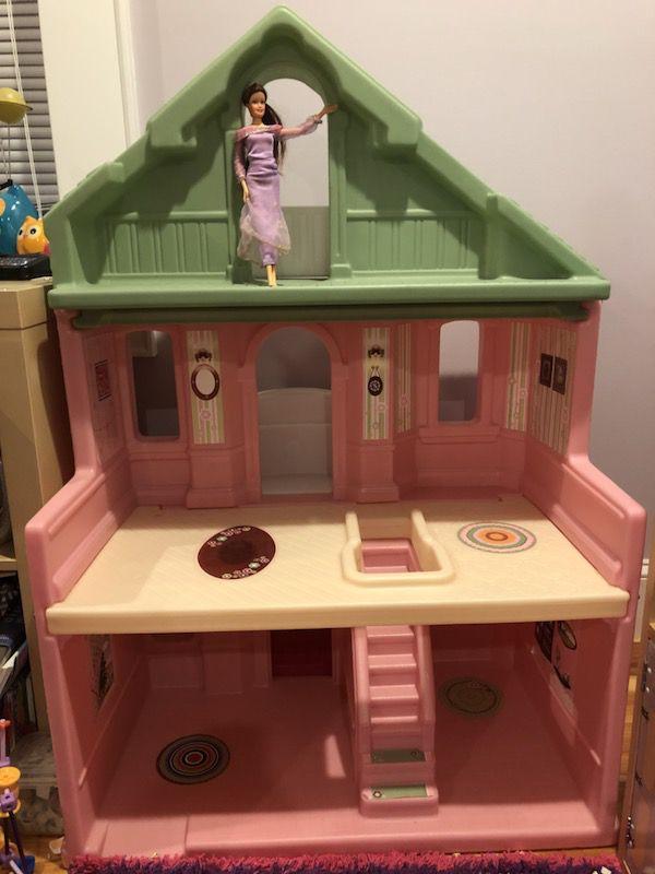 Step 2 Balcony Dollhouse