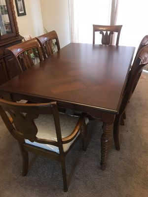 Cherry wood dining set for Sale in Charles Town, WV