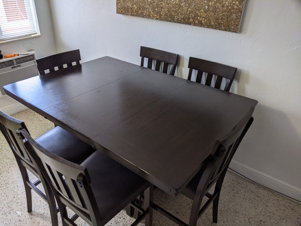 6 Chairs  Dining Table