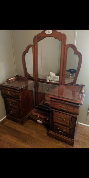 Vanity with full length mirror and chair for Sale in Gladys, VA