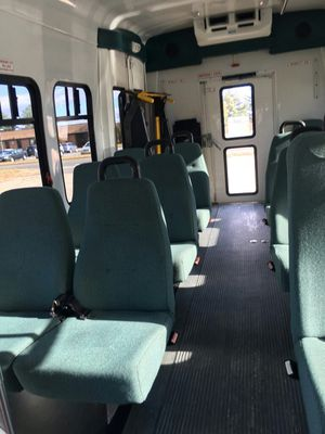 Shuttle Bus 2006 Ford E-450 for Sale in Chantilly, VA