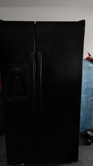 Amana refrigerator for Sale in Laveen Village, AZ