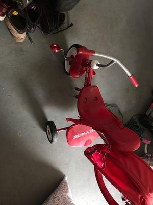 Photo Radio flyer tricycle with hood