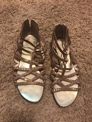 VINCE CAMUTO GLADIATOR SANDALS GOLD SIZE 8 for Sale in Springfield, VA