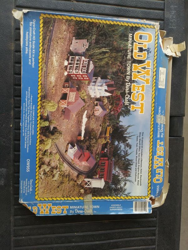 Vintage OLD WEST Miniature Town DURA-CRAFT for Sale in El Paso, TX - OfferUp