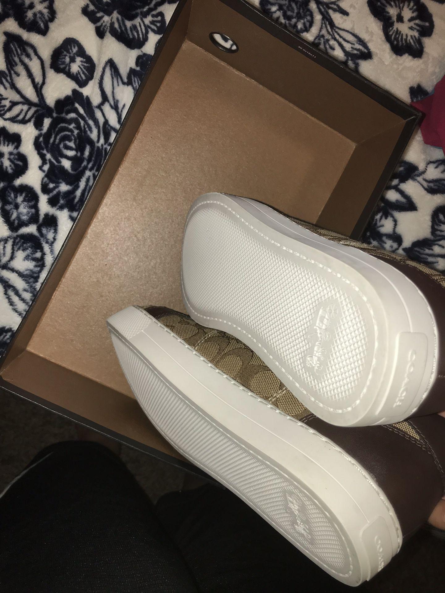 Woman coach shoes size 10 new
