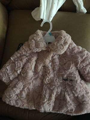 10818921b Newborn 0-3 baby girl clothes season neutral for Sale in Enfield