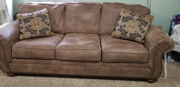 3 seater brown suede sofa for Sale in Centerville, OH - OfferUp