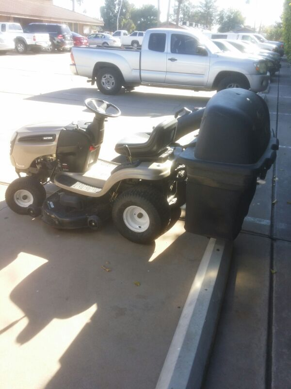 Craftmade Riding Lawn Mower Great Codition Lightly Used