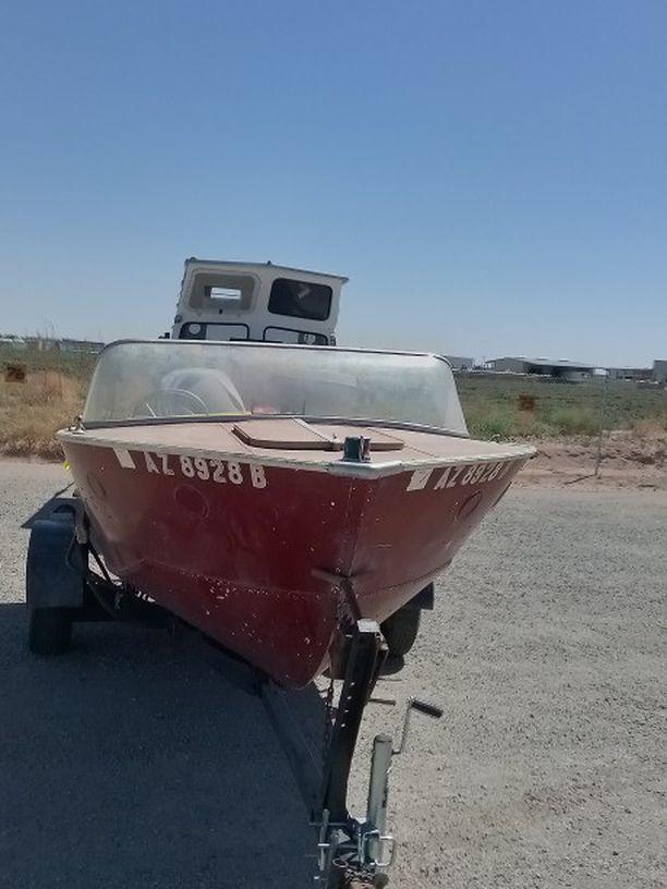 Photo 1965 aluminum fishing boat needs gone ASAP