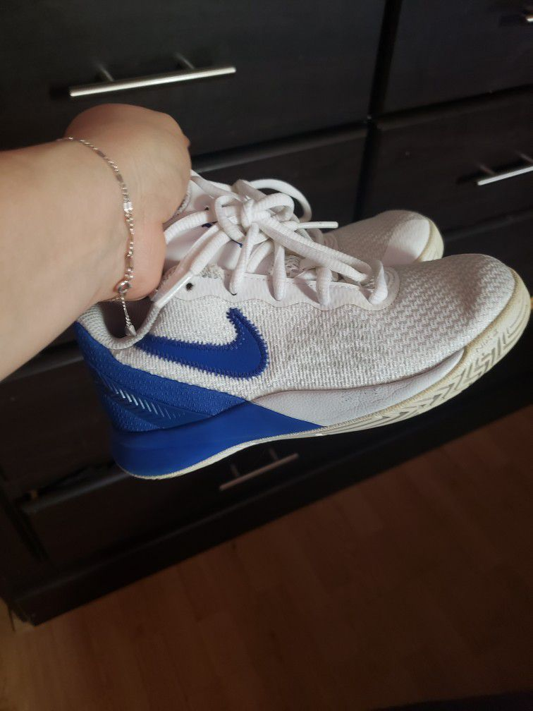 Nikes Shoes