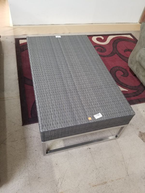 Patio furniture coffee table whicker and metal for Sale in ...