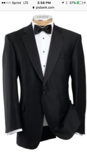 Tuxedo - Jos A Bank include shirt and accessories for Sale in Great Falls, VA