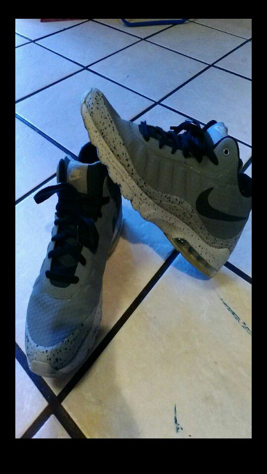 cebe8297c4e8 Men s Nike Air Max Invigor Mid Cool Grey Black-Wolf Grey Boot 858654-005  for Sale in Long Beach