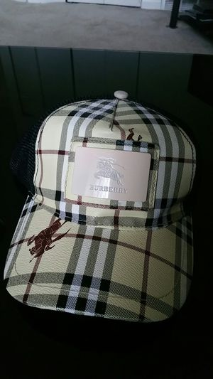 Burberry hat for Sale in Parkville, MD