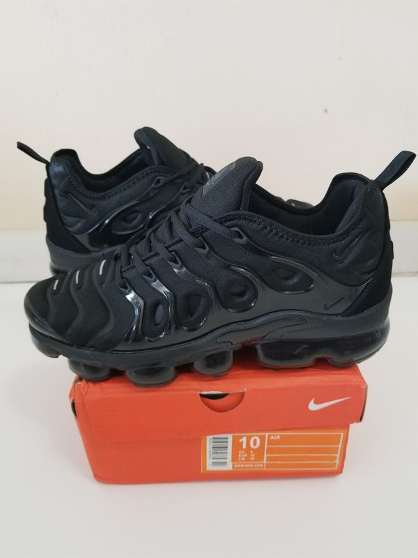 Groseramente Desilusión Víspera de Todos los Santos  NIKE AIR VAPORMAX PLUS for Sale in Miami, FL - OfferUp