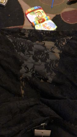 Black lace skirt Thumbnail