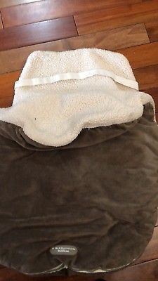 Warm infant bundle me for car seat for Sale in Fairfax, VA