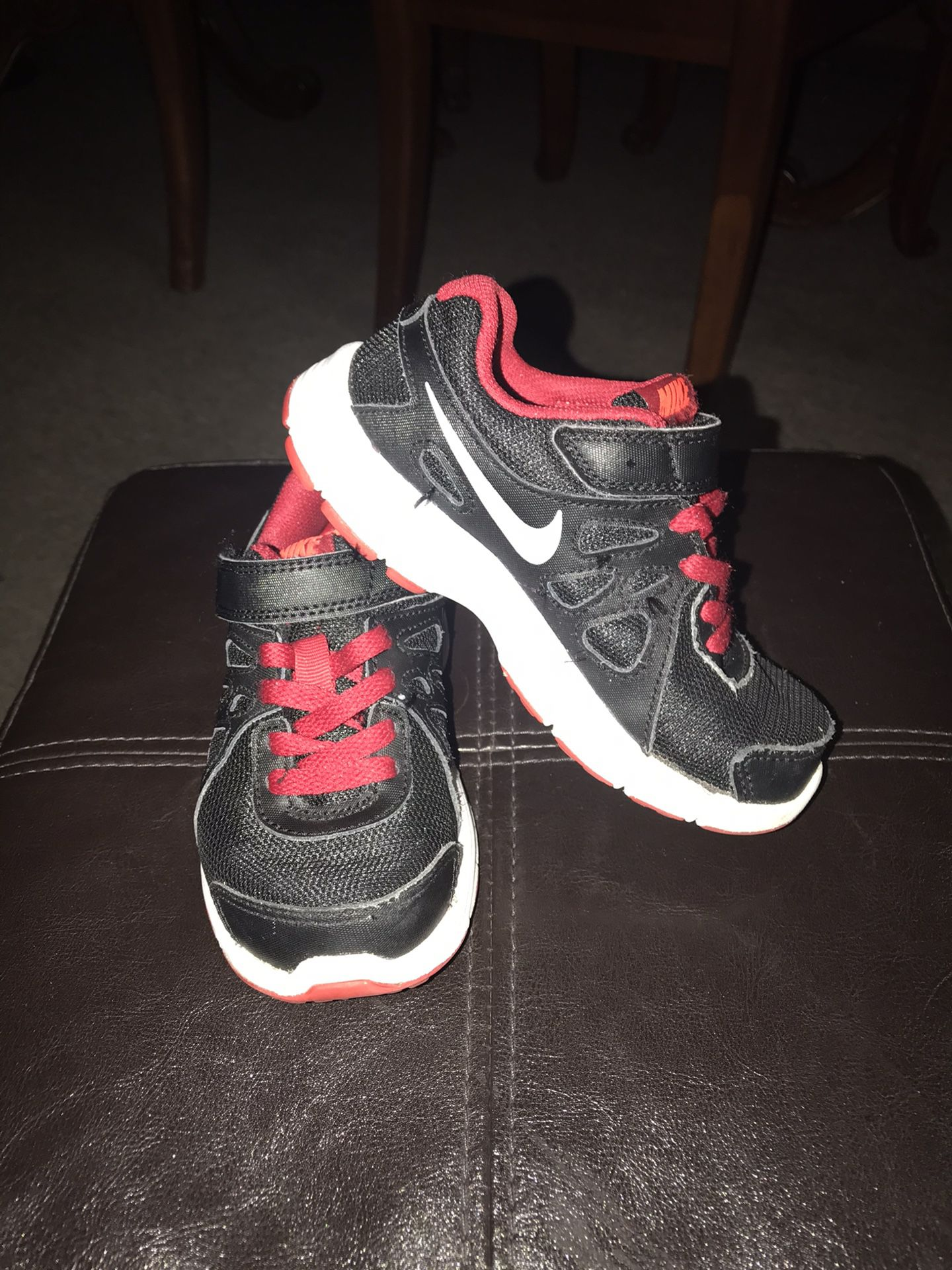 Tennis for kid's brand Nike size 10.5 C