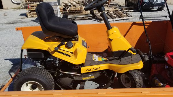 Cub Cadet Riding Mower CC30 H Hydro Drive for Sale in WARRENSVL HTS, OH -  OfferUp